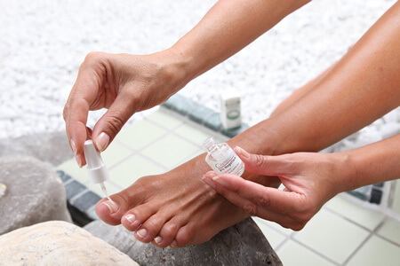 Nagelpilz Behandlung mit Ciclopoli gegen Nagelpilz